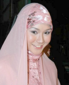 Zaskia Adya Mecca