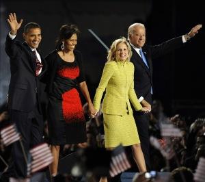Barack Obama dan istrinya Michelle bersama Joe Biden dan istrinya Jill.