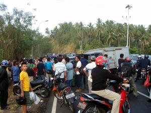 Lakalantas di jalur Ring Road Manado, Sulawesi Utara.