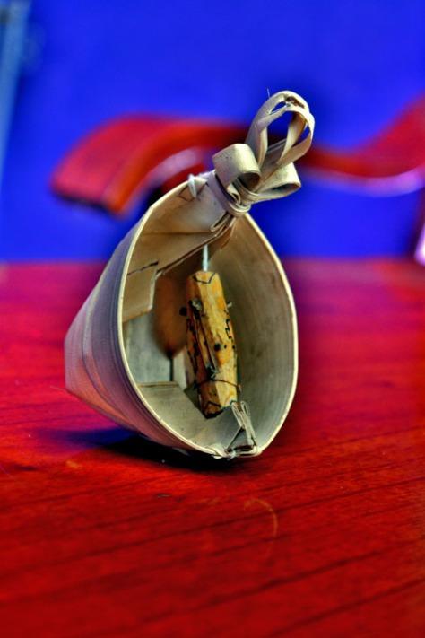 Miniatur Sasando, alat musik tradisional dari Pulau Rote, NTT. (Foto: eddy mesakh)
